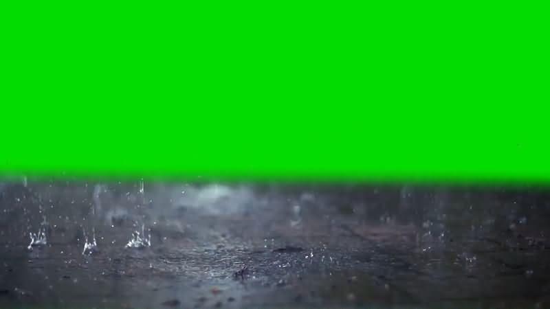 绿屏抠像慢镜头雨滴砸向地面.jpg