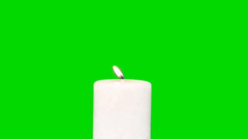 绿屏抠燃烧的白色蜡烛.jpg